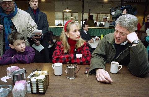 Bill Clinton and wife drinking coffee in New Hampshire