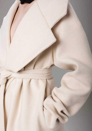 Geisha Off-white Coat