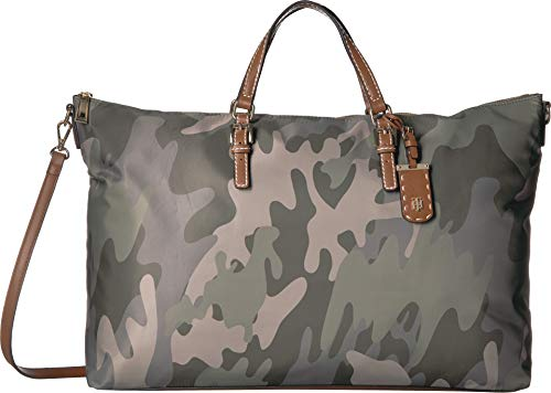 Tommy Hilfiger Women's Julia Camo Weekender Green/Multi One Size