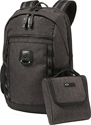 Oakley Mens Voyage 22L Backpack One Size Blackout