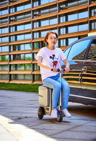 Electric Riding Trolley Travel Suitcase.Luxurious Intelligent Carry On Robot