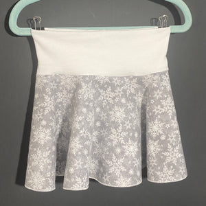 Spin Skirt: Grey w/White Snowflakes