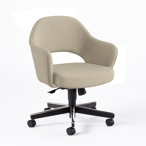 Saarinen Executive Arm Chair with Swivel Base - Design Distillery