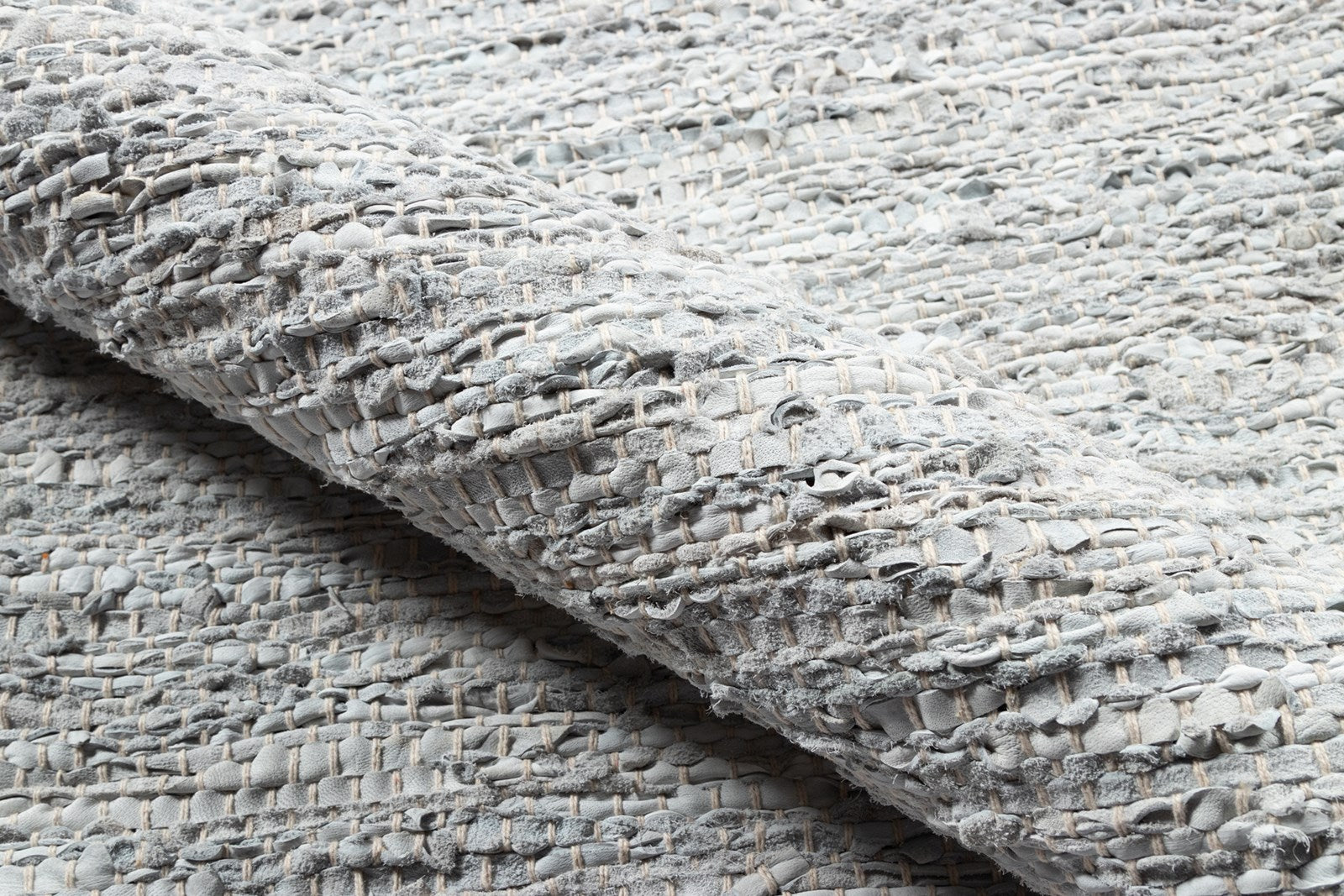 Tézah TEZ-01 Gray Leather Rug