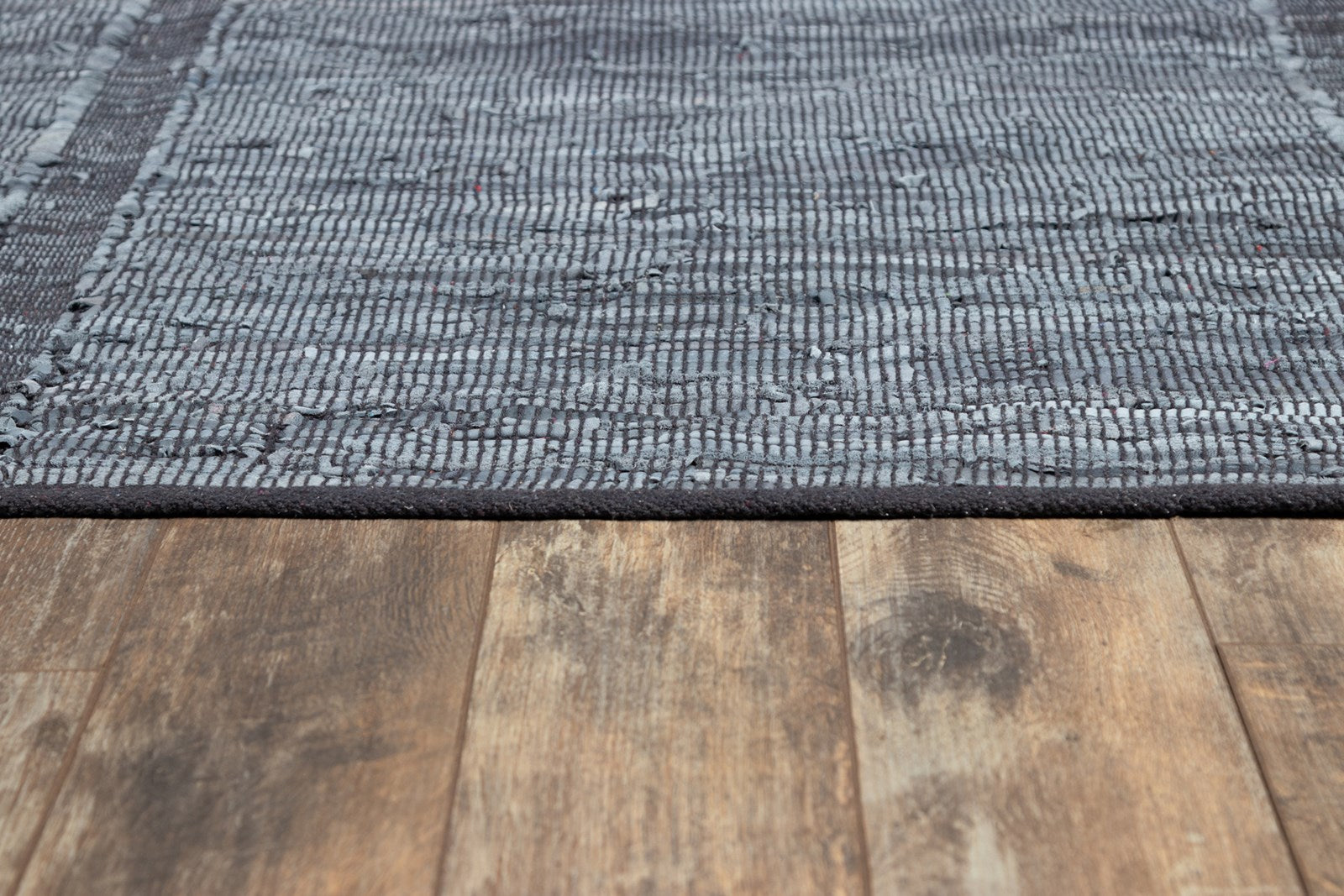 Tézah TEZ-02 Blue Leather Rug
