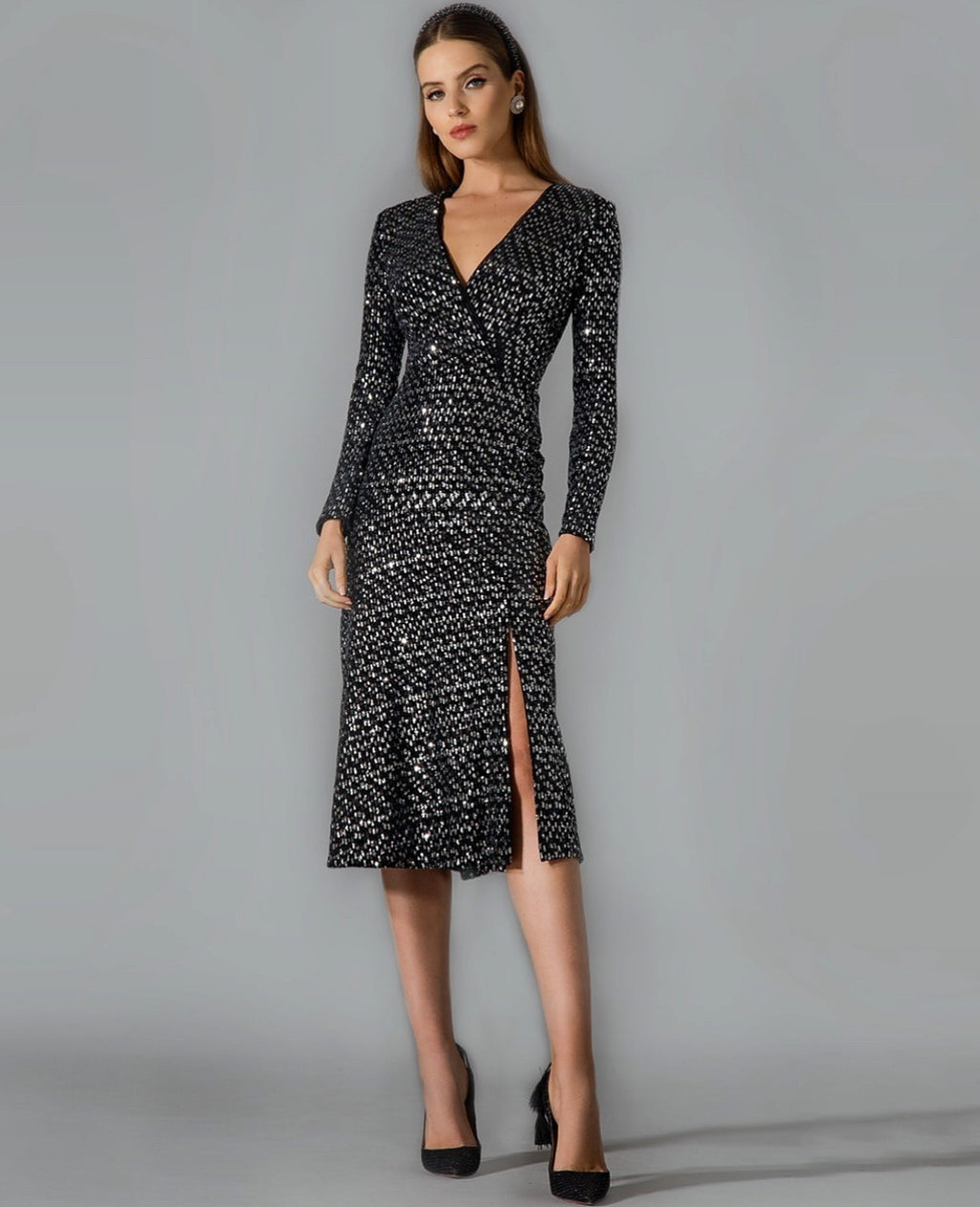 BLACK & SILVER SMALL SEQUIN LS. MID DRESS