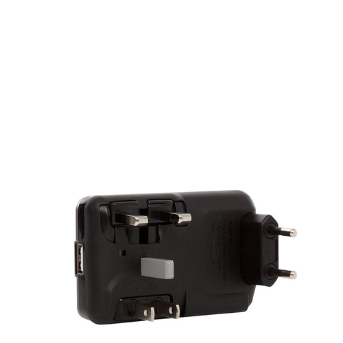 KNOMO World Travel Adaptor World Travel Adaptor From Front |knomo.com