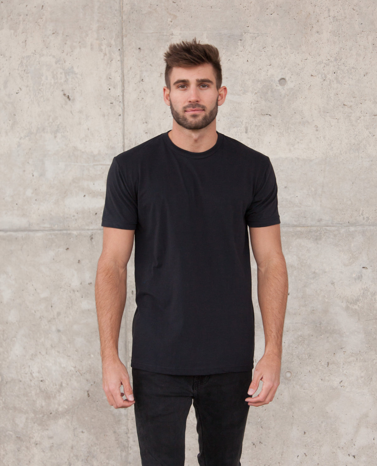MAGO black short sleeve t-shirt
