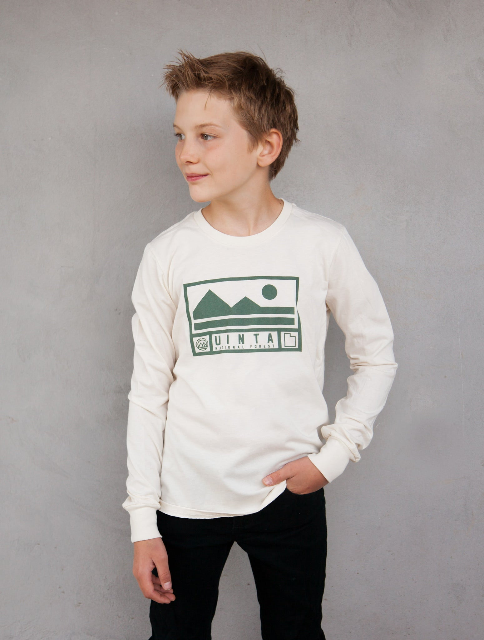 MAGO KIDS Misty Green Uinta Cream Long Sleeve T-Shirt