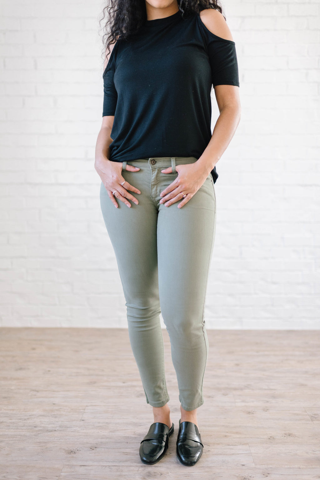 Low Rise Skinny Jeans in Light Olive