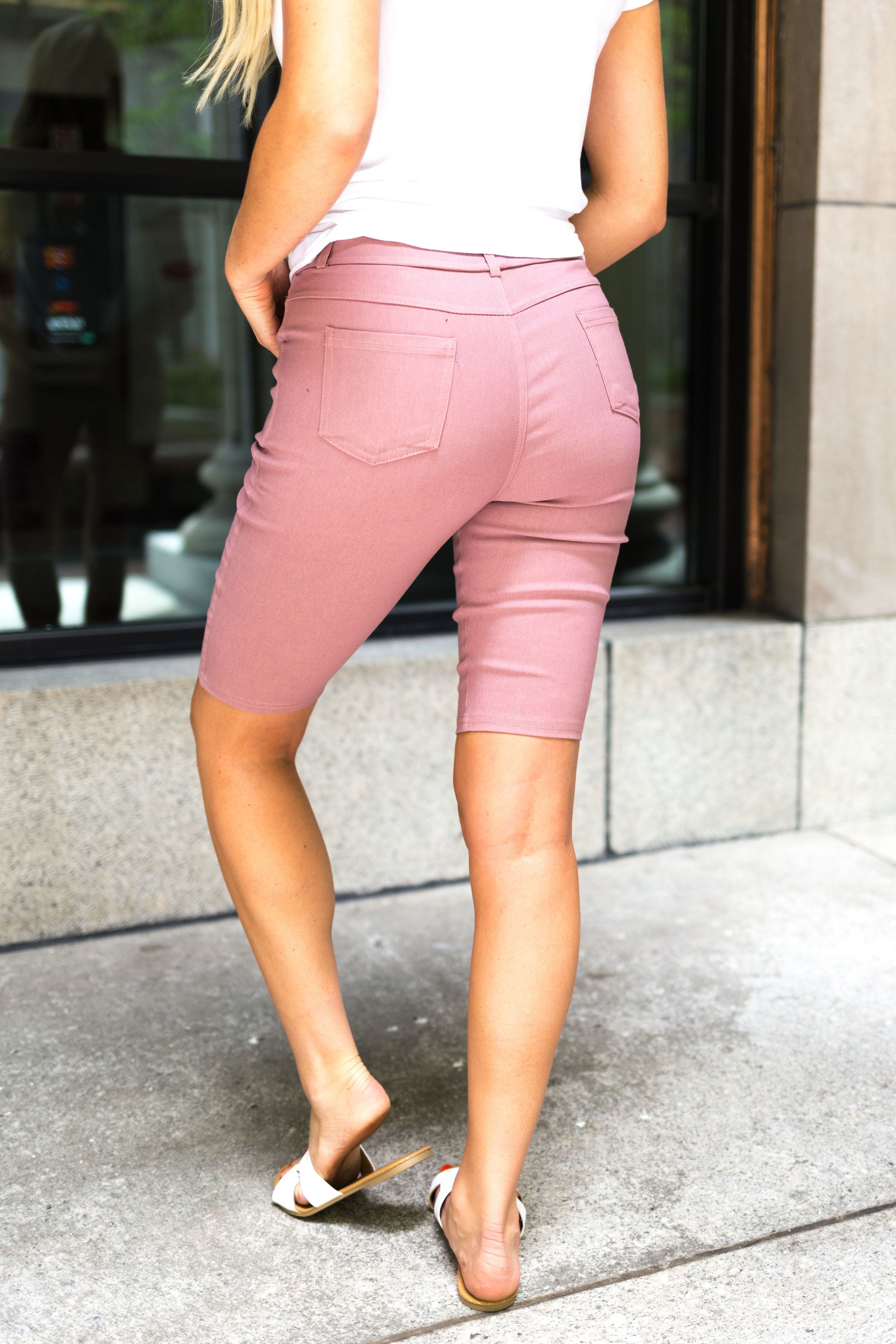 Everyday Colored Bermudas in Mauve