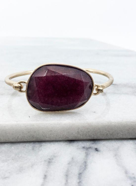 Fantastic Faceted Stone Bracelet In Burgundy