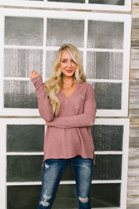 Waffle Knit V-Neck Tee In Mauve