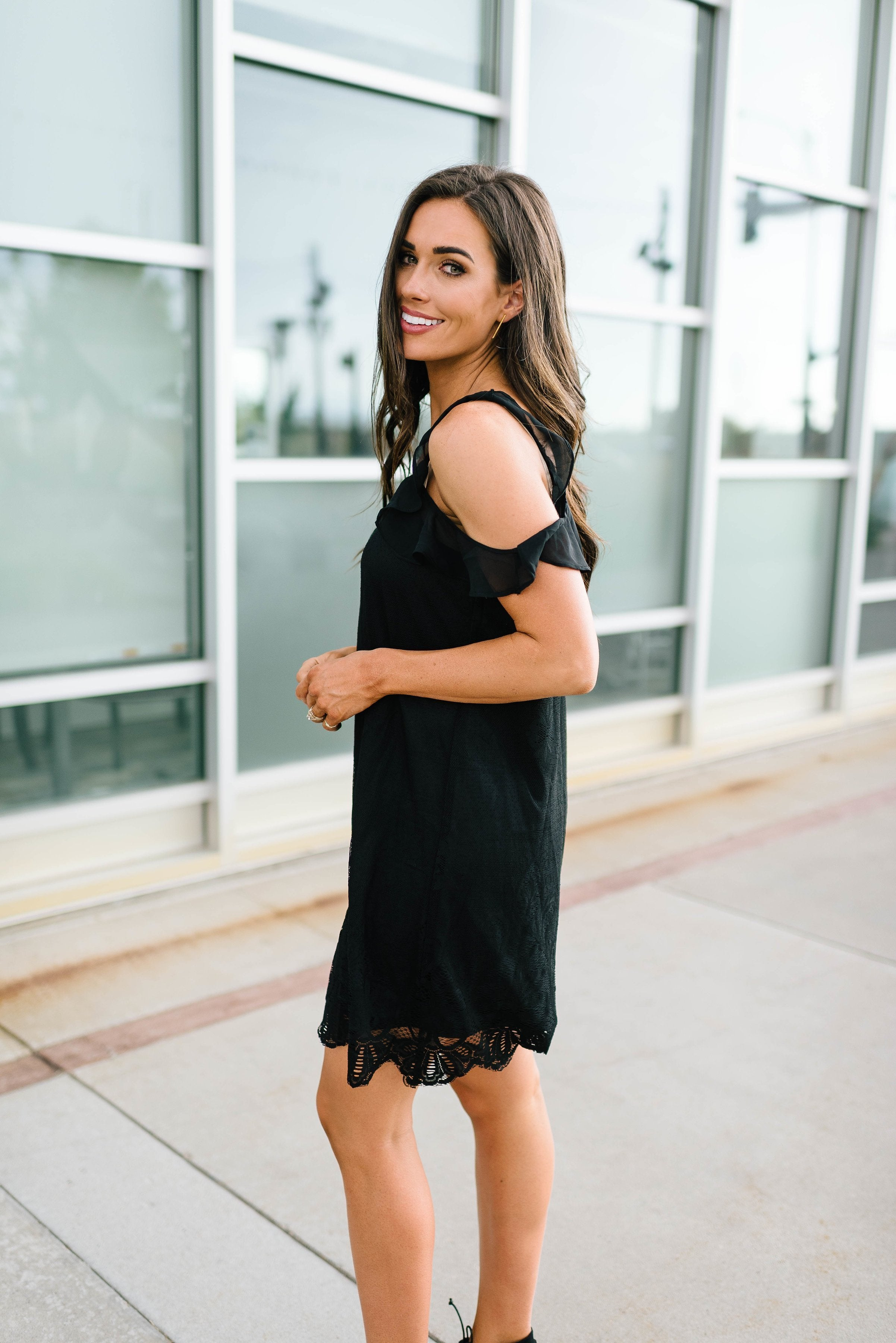 Black Lace Cold Shoulders Dress