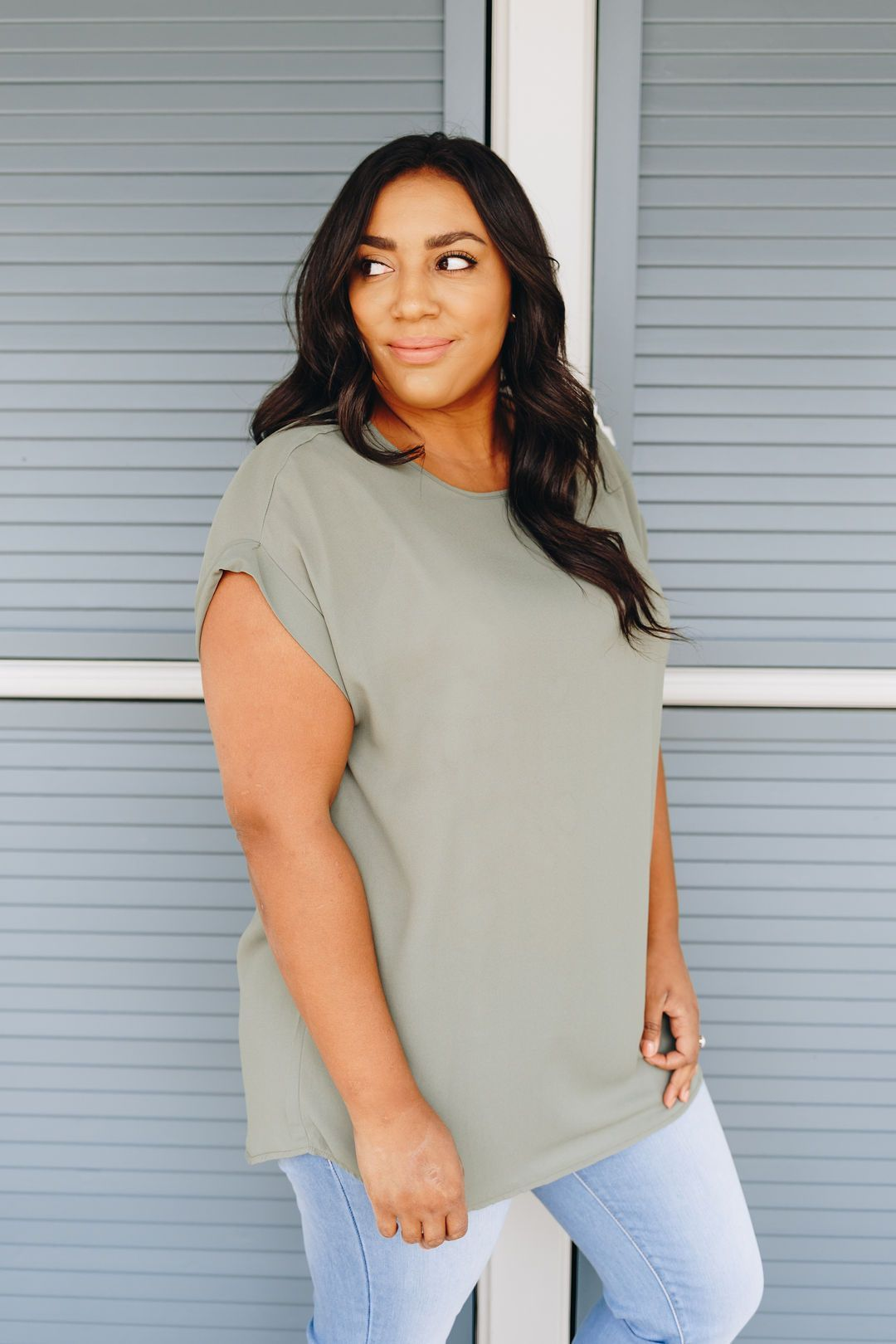 Chelsea Rolled Sleeve Top In Light Olive