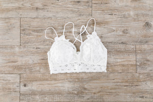 XOXO Scalloped Lace Bralette In Ivory