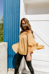 Flirty Flounce Top In Golden Honey