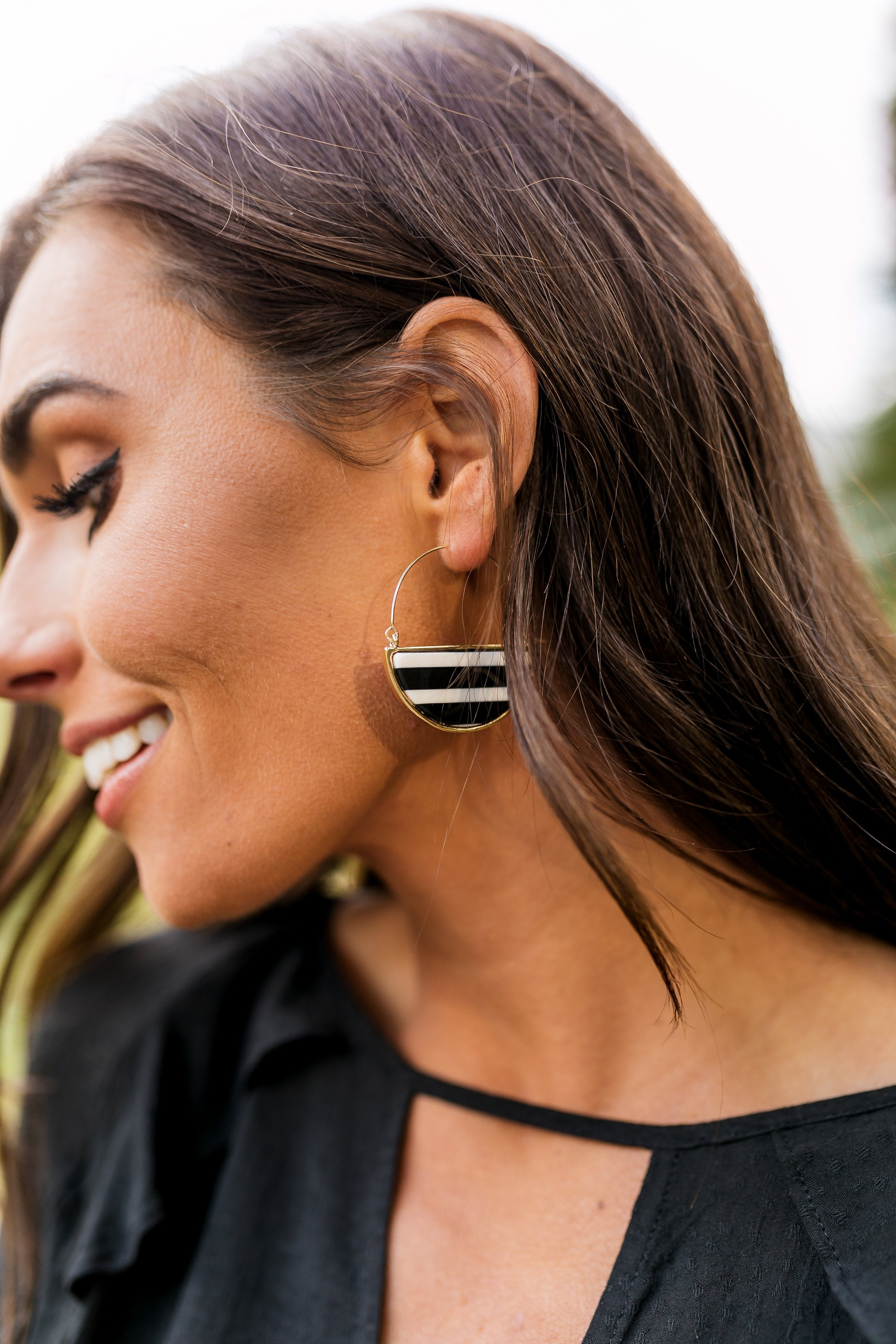 Glass Half Full Hoop Earrings In Black + White