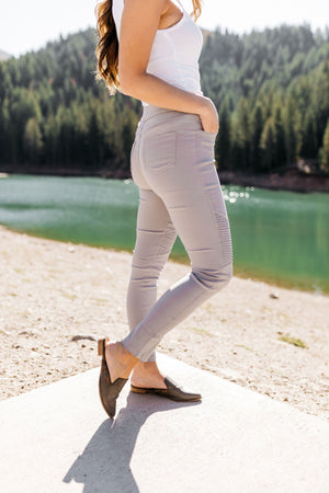 Better Than Great Moto Jeggings In Pale Gray