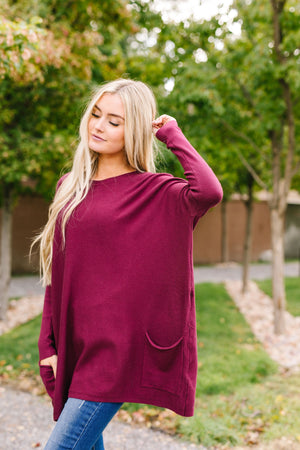 Oversized And Underrated Sweater In Wine