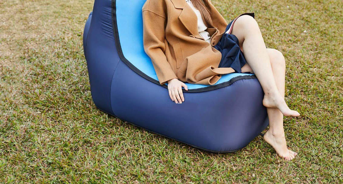 #12 gifts for boyfriends mom: blue air lounger