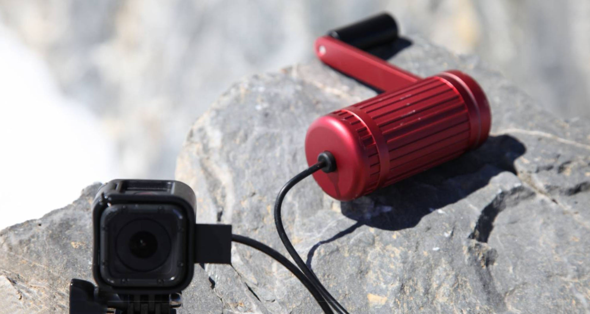 #19 cool gadgets for men: red hand crank charger