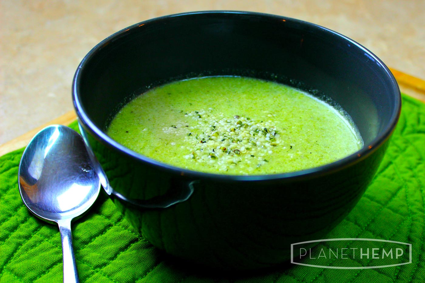 CREAMY HEMP BROCCOLI SOUP