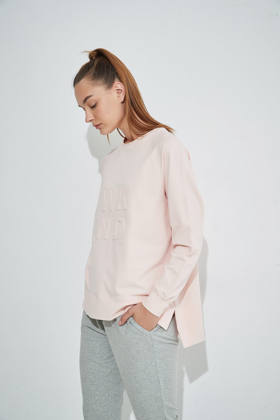 WKND Embossed Sweat - Soft Pink