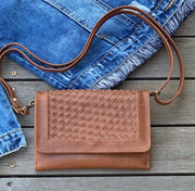 Woven Wallet Bag - Distressed Camel
