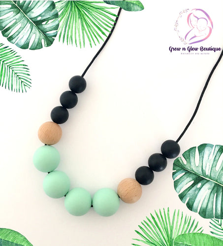 'DREAM' Silicone Breastfeeding Necklace - Pastel Green