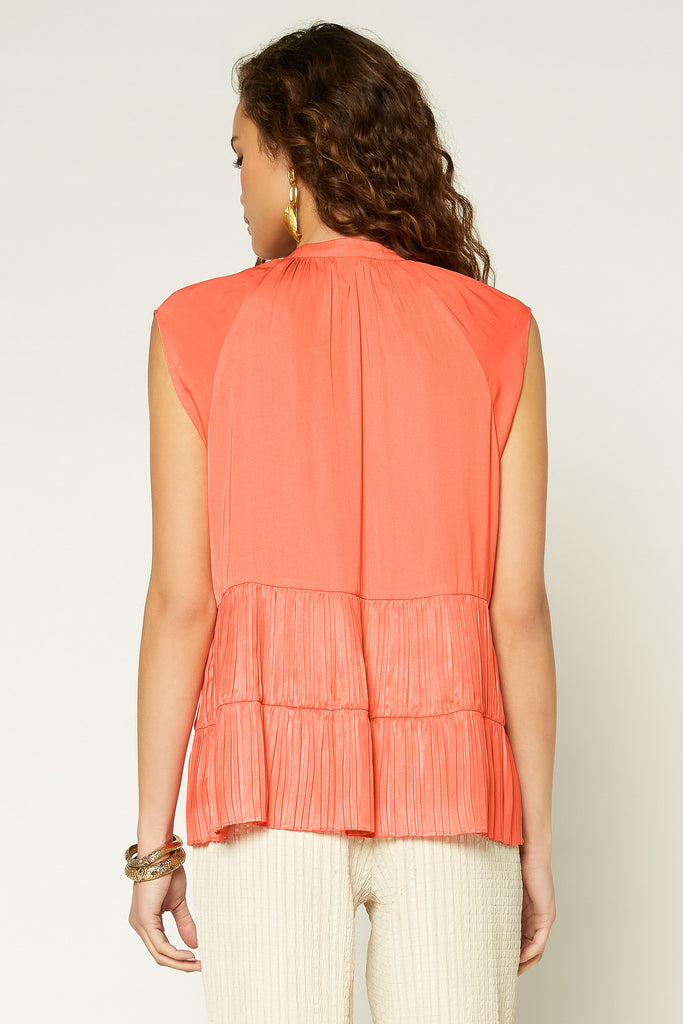Tiered Pleated Sleeveless Top