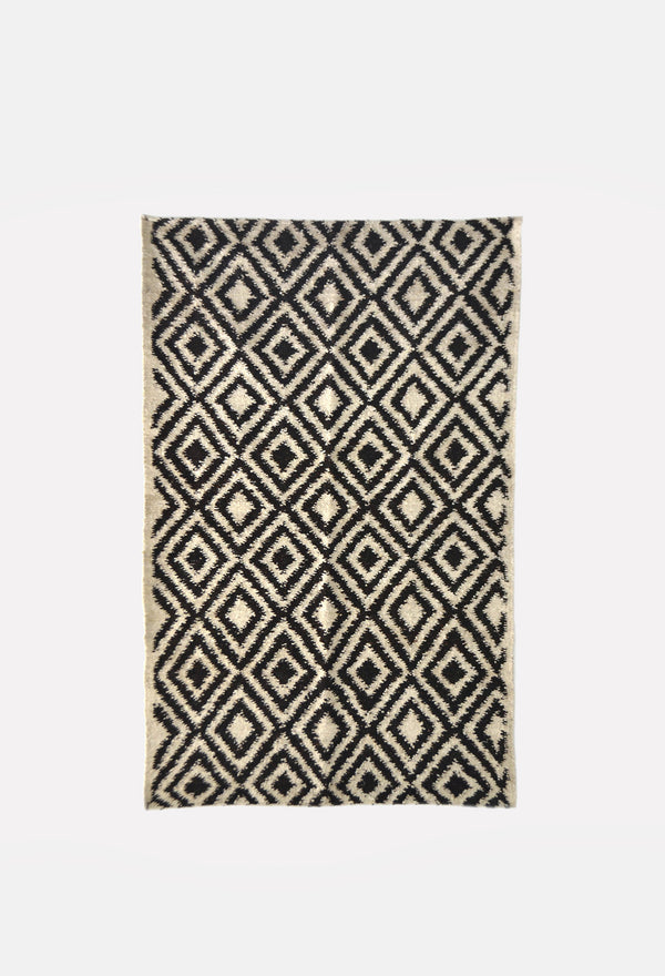 Diamond Pattern Wool Rug