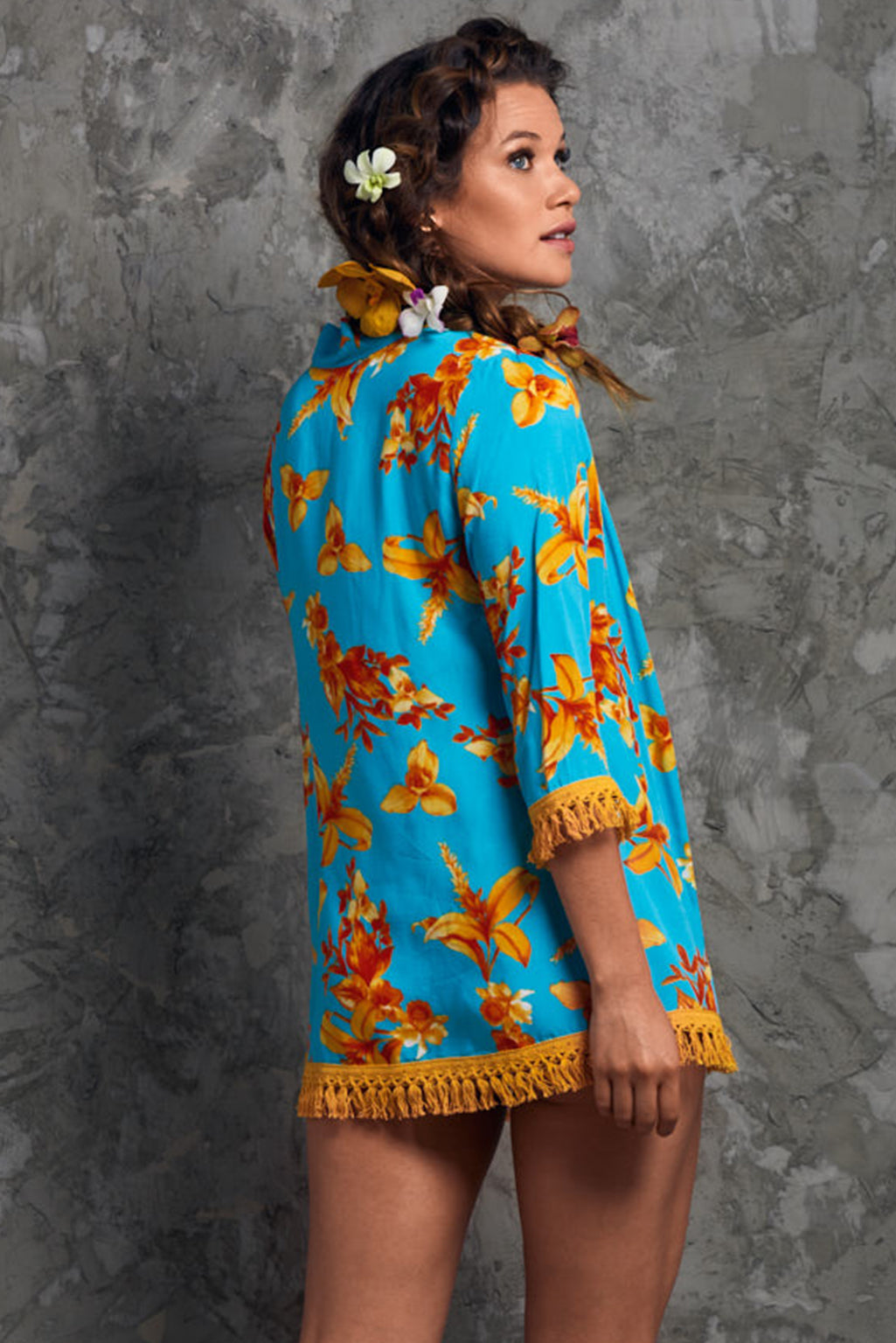 Short Summer Flowers Kimono Palmazul Beachwear Back blue and orange beach cover up with tassels