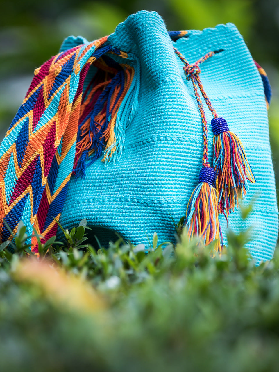 Turquoise woven shoulder bag with tassels and beads Palmazul Beachwear Lifestyle Wayuu Mochila