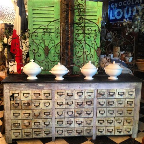 Gorgeous French Drapers Counter