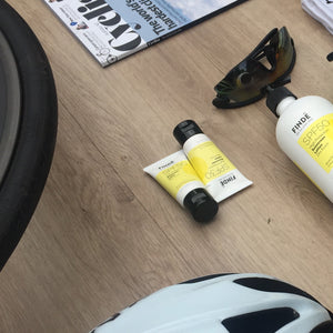 """Be Nice. Ride Bikes"" musette + 1 x 35g every ride sunscreen"