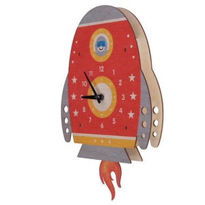 Spaceship Pendulum Clock