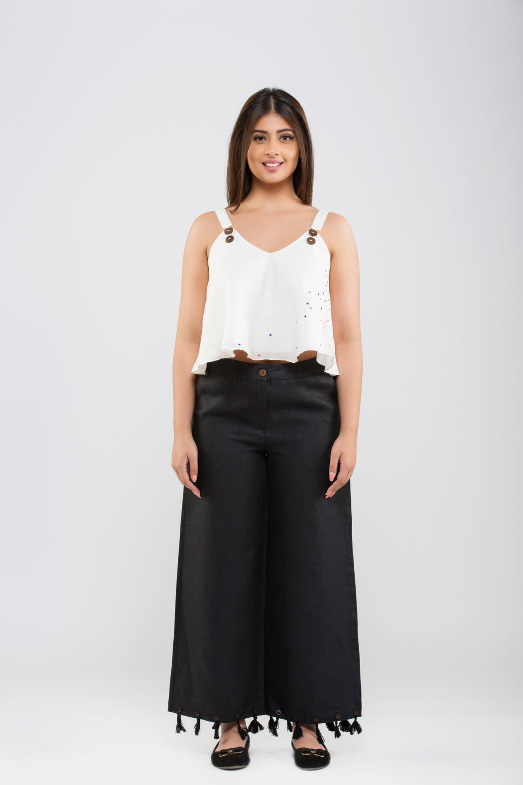 Linen Crop Pants with Tassels<br>(Black)