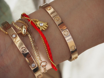 Red Bracelet w/ Hamsa & Gold Chain