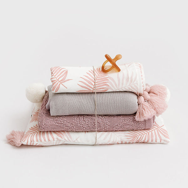 Bamboo pillow - Pink Leaves