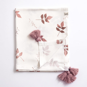 Bamboo swaddle blanket - Dirty pink leaves