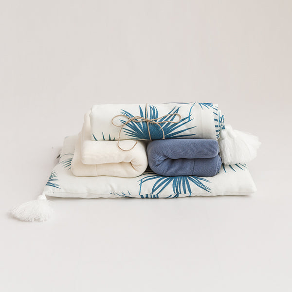 Bamboo swaddle blanket - Sea Leaves