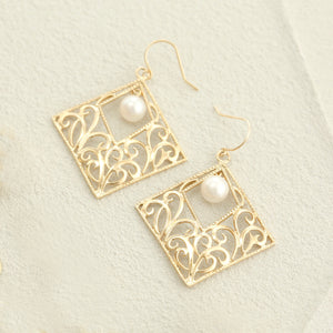 10 Karat Gold Akoya Pearl Earrings (46-3985)-Earring-Jewels Japan