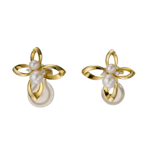 18 Karat Gold Akoya Pearl Diamond Earrings (96-3026)-Earring-Jewels Japan