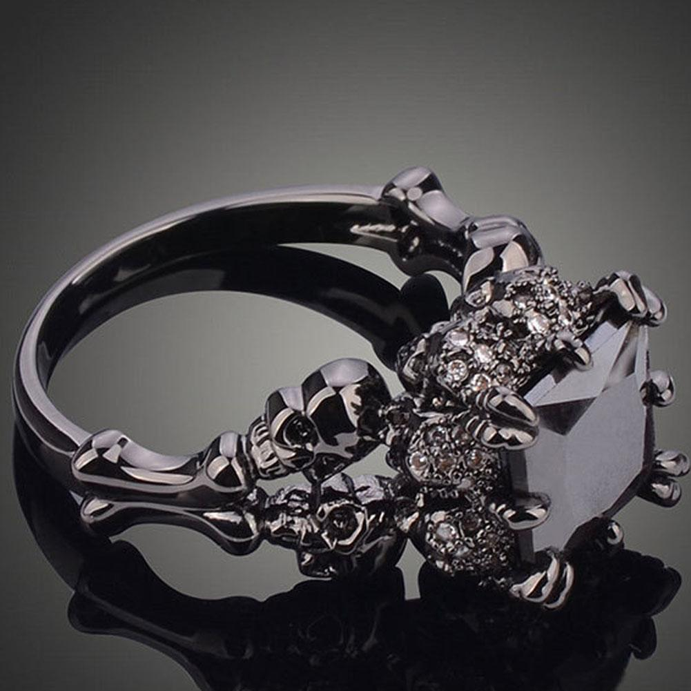 Jet Black Skull's Claw Ring - Cherry & Oak