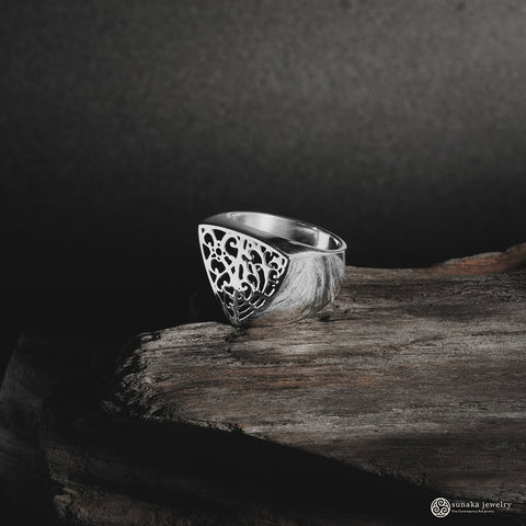Bhinneka Ring in Sterling Silver