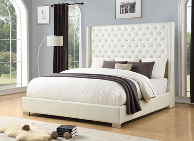 Diamond Tufted White 6 FT King Bed | HH323
