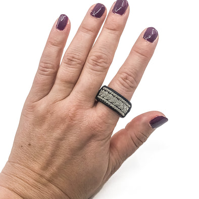 Handmade jewelry rings with leather and pewter by Julevu