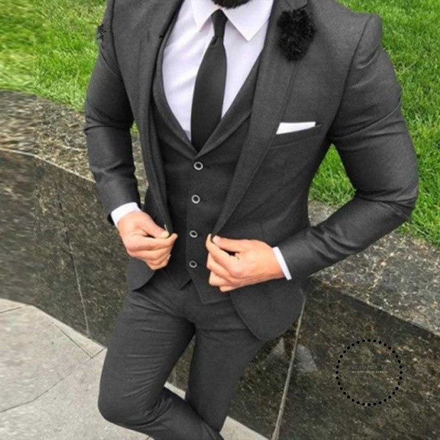 New Arrival Two Button Black Groom Men Suit Tuxedos Groomsmen Mens Wedding Prom Suits Custom Made
