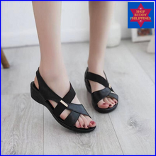 Load image into Gallery viewer, Cyhthia Flat Sandals